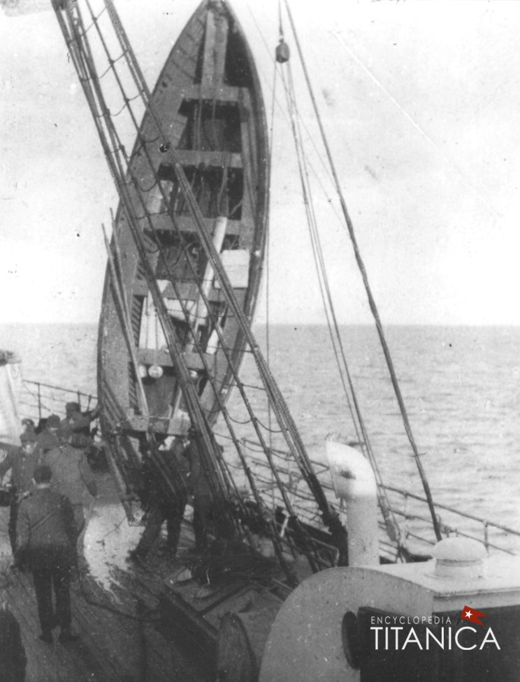 Titanic lifeboat on Carpathia horizon.jpg