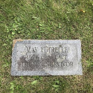 Jacques Heath Futrelle, Lily May Futrelle (née Peel)1st class,St. Mary's Cemetery Scituate Mas...JPG