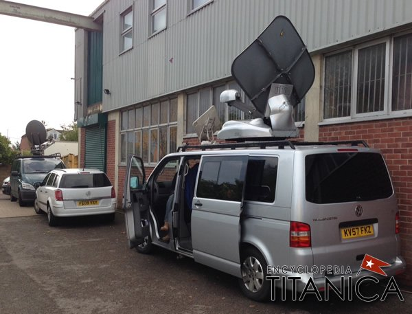 TV Van outside auction house