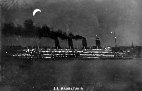 RMS Mauretania at night : Postcard