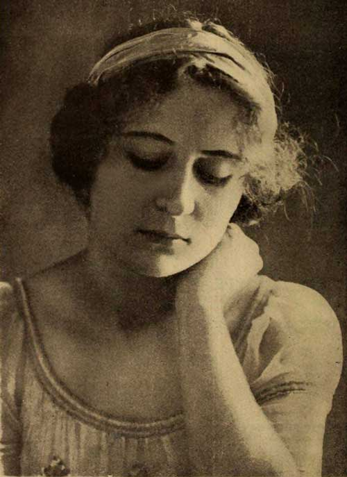 Publicity photo of Dorothy Gibson