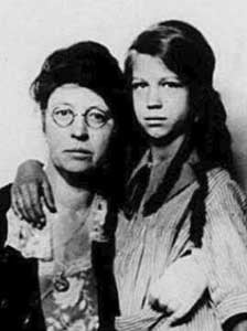 Harriette Crosby and daughter Andrée