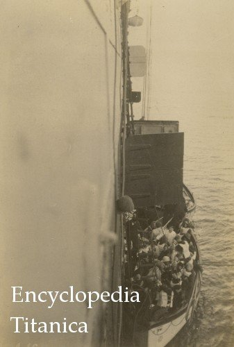 Lifeboats from Titanic Reach the Carpathia