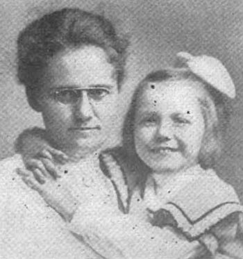 Nellie and Ruth Becker. c.1905